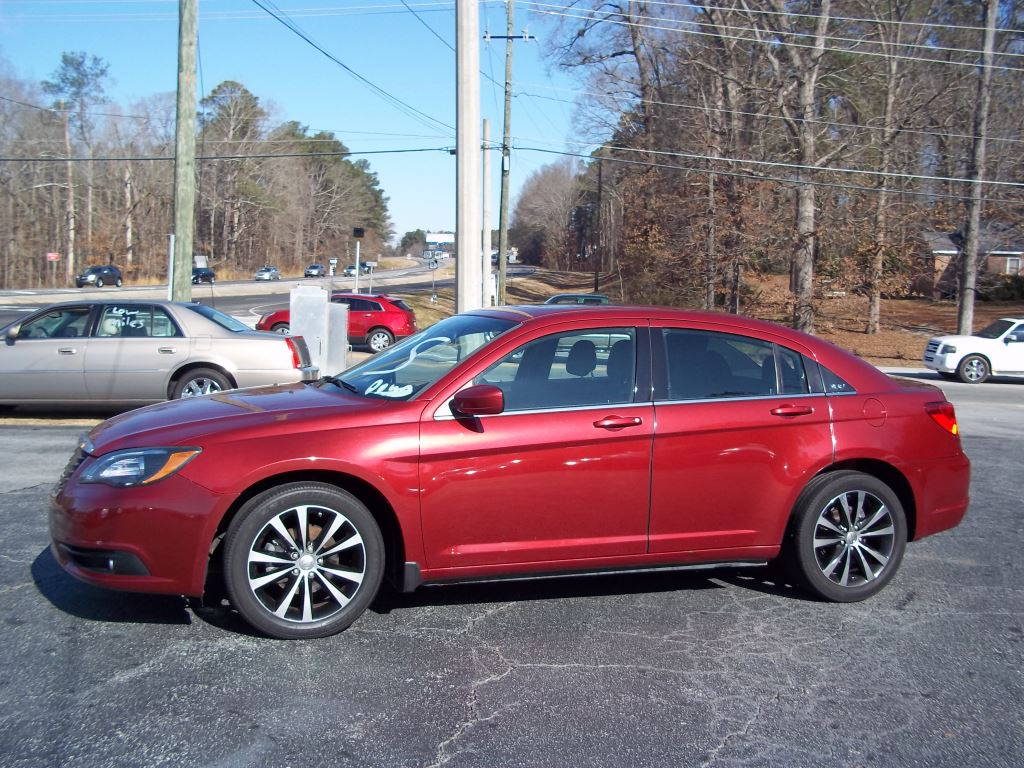 AUTO CASH USED CARS ***BUY HERE PAY HERE*** - 2014 Chrysler 200